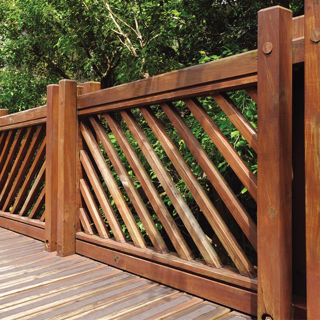 деревянные заборы и ограды фото деревянных заборов сравнивать описываемую